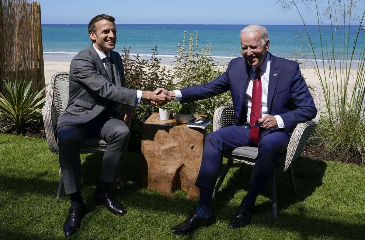 Emmanuel Macron (links) und Joe Biden wollen sich im Oktober treffen. Foto: dpa/Patrick Semansky