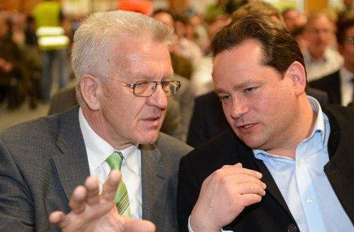 Kretschmann steht Minister Bonde bei