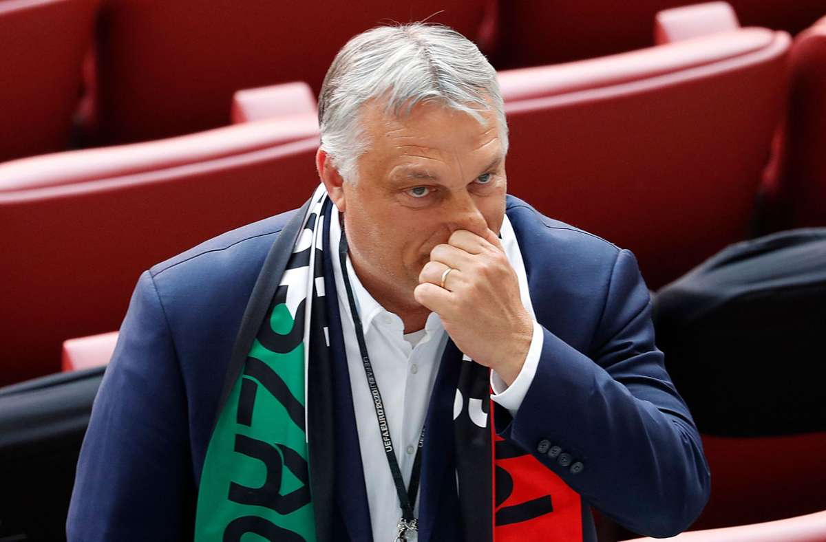 Viktor Orban hat im Gespräch mit der dpa zu der Regenbogen-Thematik geäußert. Foto: AFP/LASZLO BALOGH