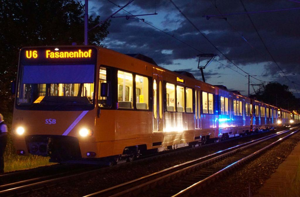 Ein Geisterzug? Eine SSB-Stadtbahn nach Ludwigsburg ist nicht in Sicht. Foto: Andreas Rosar