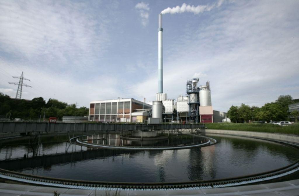 Stuttgart (auf dem Bild die Kläranlage Mühlhausen) und Heidenheim hatten 2002 mit ihren Abwasseranlagen umstrittene Crossborder-Leasing-Geschäfte gemacht. Das kann nun teuer werde. Foto: Achim Zweygarth
