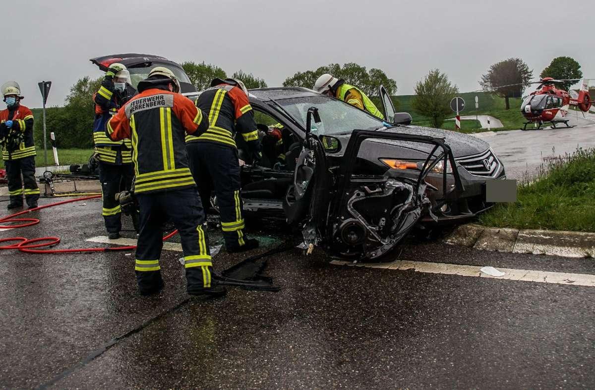 Der Autofahrer kam mit schweren Verletzungen ins Krankenhaus. Foto: SDMG/SDMG / Dettenmeyer