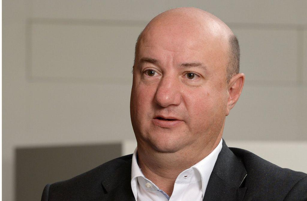 Daimler-Betriebsratschef Brecht zeigt sich schockiert von den Versuchen. Foto: dpa