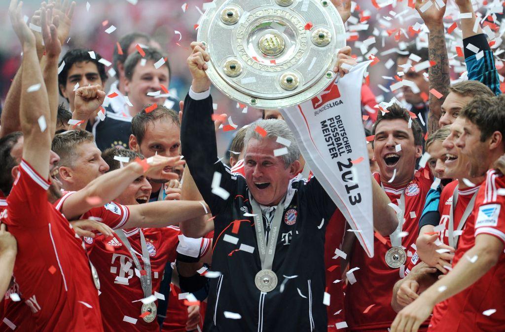 Der Trainer Jupp Heynckes (Mitte) holte 2013 mit den Bayern das Triple. Foto: dpa