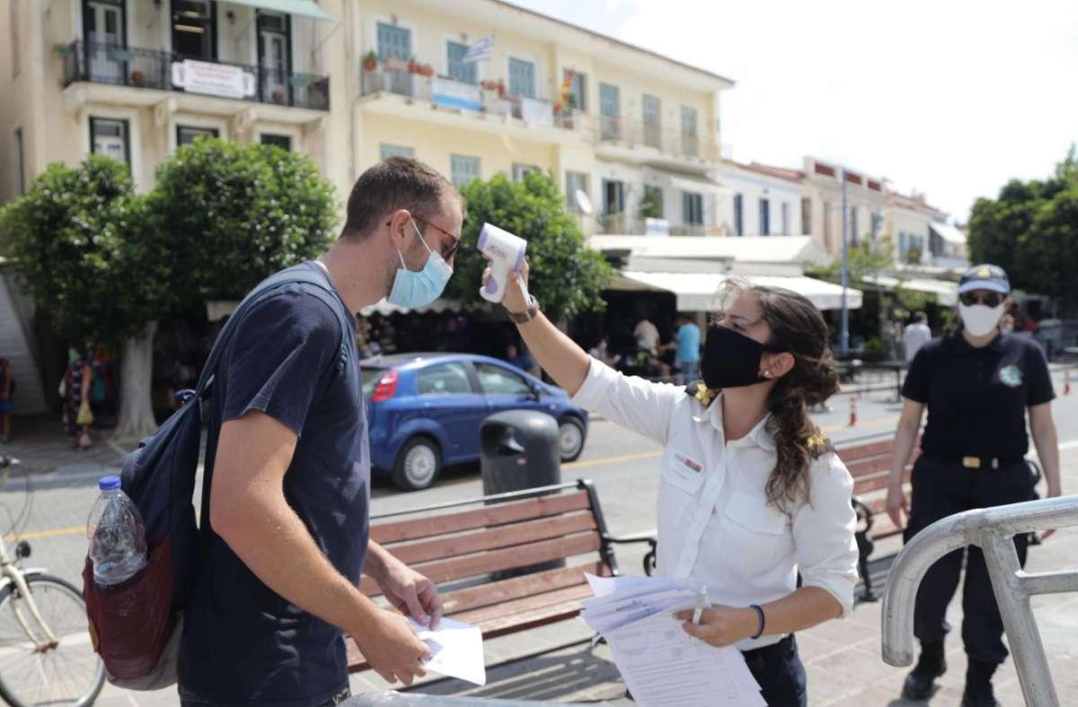 In Griechenland hat die Zahl der Corona-Infizierten einen neuen Höchststand erreicht. (Symbolbild) Foto: dpa/Eurokinissi