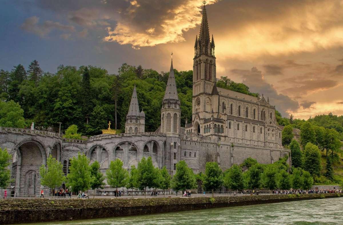 Die Basilika des Wallfahrtsortes Lourdes. Foto: imago images/Panthermedia