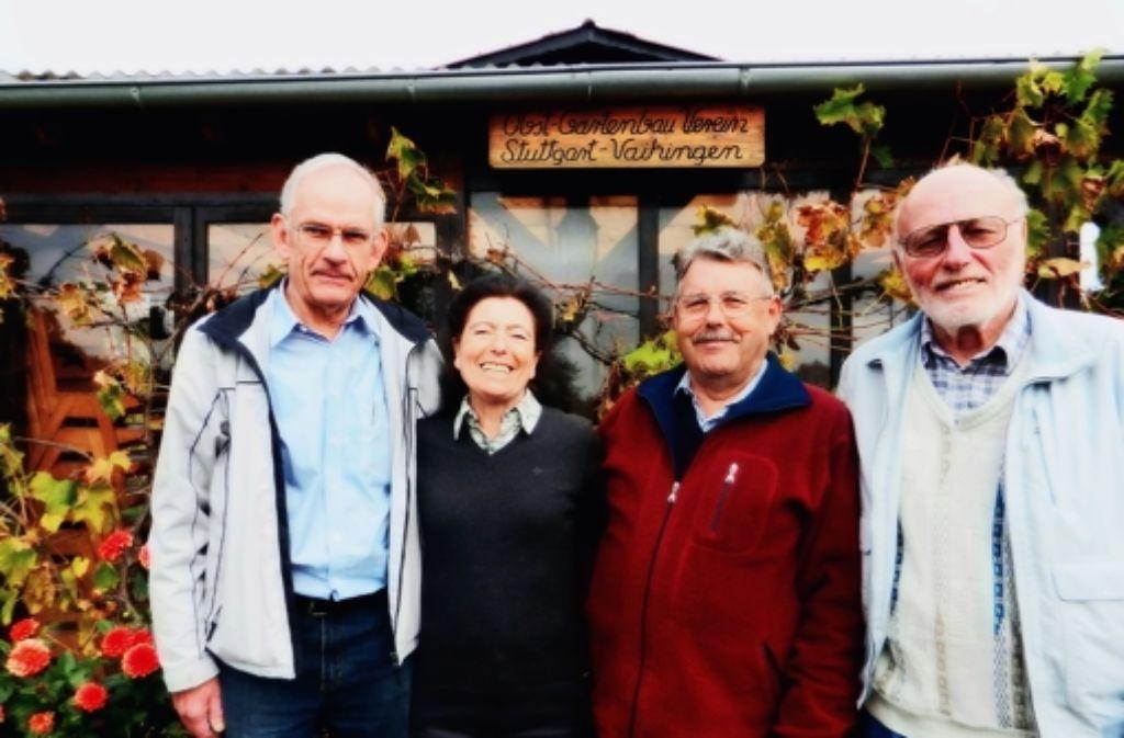 Ein eingespieltes Team: Richard Mochel (von links), Ursula Heidi, Hans Stumpp und Georg Kahl bilden den Vorstand des Obst- und Gartenbauvereins Vaihingen. Foto: Nora Stöhr