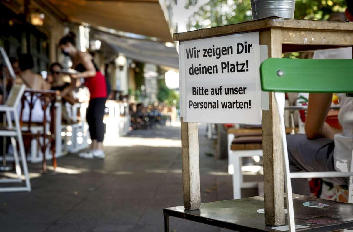 Klare Ansage am Wilhelmsplatz. Foto: Lichtgut/Julian Rettig