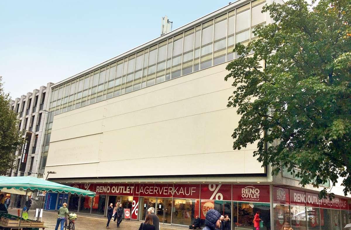 Das Gebäude der früheren Sportarena auf der Königstraße Foto: Konstantin Schwarz