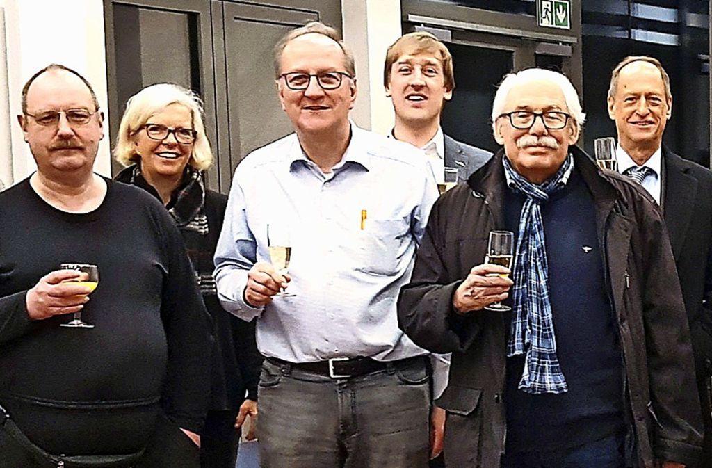 Bernhard Herp (3.v.l.)  ist der erste Vorsitzende des neuen Bürgervereins. Foto: Weeber+Partner