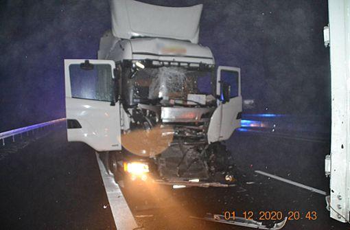 Stauende übersehen – Zwei Unfälle mit sechs Fahrzeugen