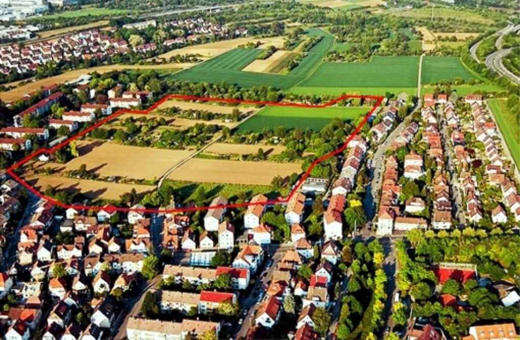 Das geplante Wohngebiet Langenäcker-Wiesert (rot umrandet) ist 8,8 Hektar groß. Im rot umrandeten Gebiet sollen rund 320 Wohneinheiten entstehen. Foto: Stadt Stuttgart