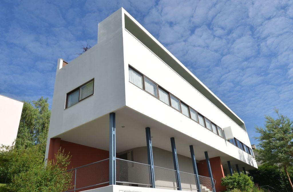 100 Jahre nach dem Bau der Weißenhofsiedlung in Stuttgart – hier das Haus von Le Corbusier – soll es wieder eine Bauausstellung geben. Foto: dpa