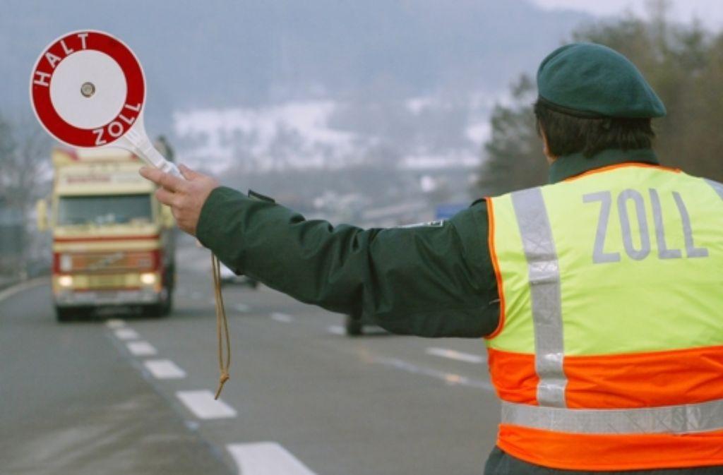 Der Zoll soll Verstöße kontrollieren – doch zu viele Schlupflöcher bleiben. Foto: dpa