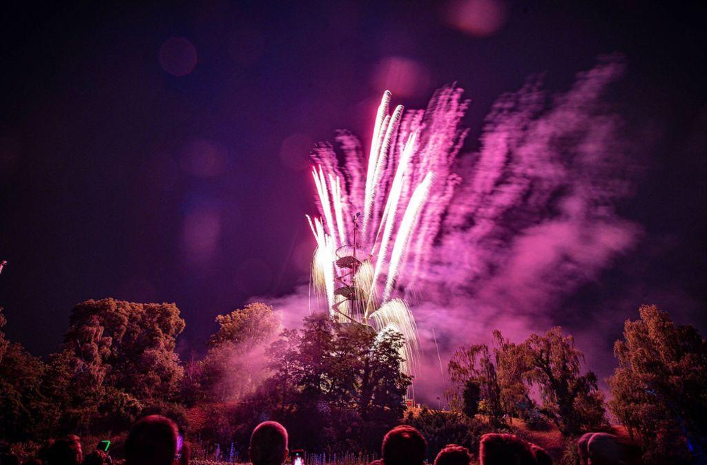 Auf dem Lichterfest in Stuttgart zündeten Pyrotechniker auch in diesem Jahr wieder ein Feuerwerk im Höhenpark Killesberg. Foto: 7aktuell.de/Marc Gruber