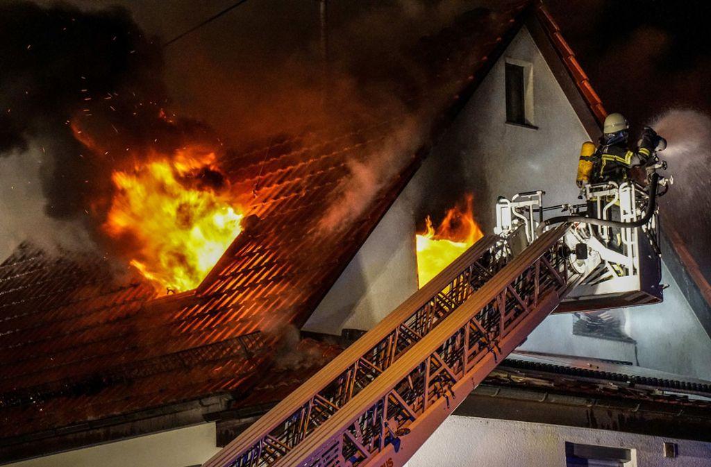 Im Februar verlor eine Hegnacher Familie bei einem Brand ihr Zuhause. Foto: SDMG/Kohls