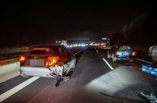 BMW-Fahrer rast auf Stauende – Autobahn stundenlang gesperrt