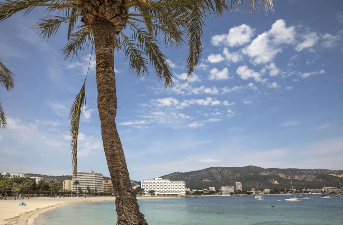 Mallorca ist ein beliebtes Reiseziel der Deutschen. (Archivbild) Foto: dpa/John-Patrick Morarescu