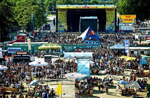 Tausende Besucher feiern auf dem ersten Kessel-Festival