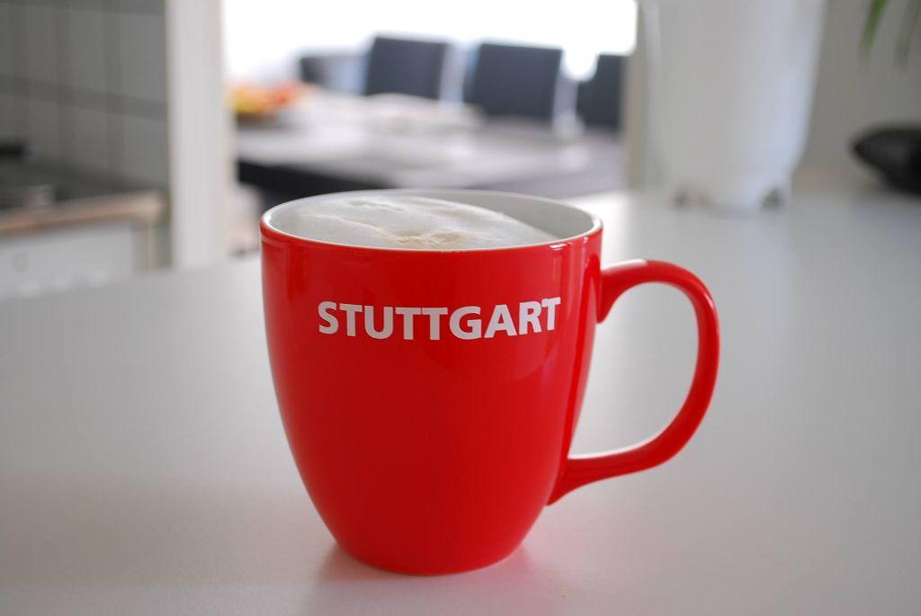 Mit dieser Tasse hat Dennis Scheck bei unserem Kaffeetassen-Wettbewerb auf Facebook gewonnen. Aber es gab viele weitere lustige Einreichungen. Wir zeigen sie in der folgenden Bilderstrecke. Foto: Dennis Scheck