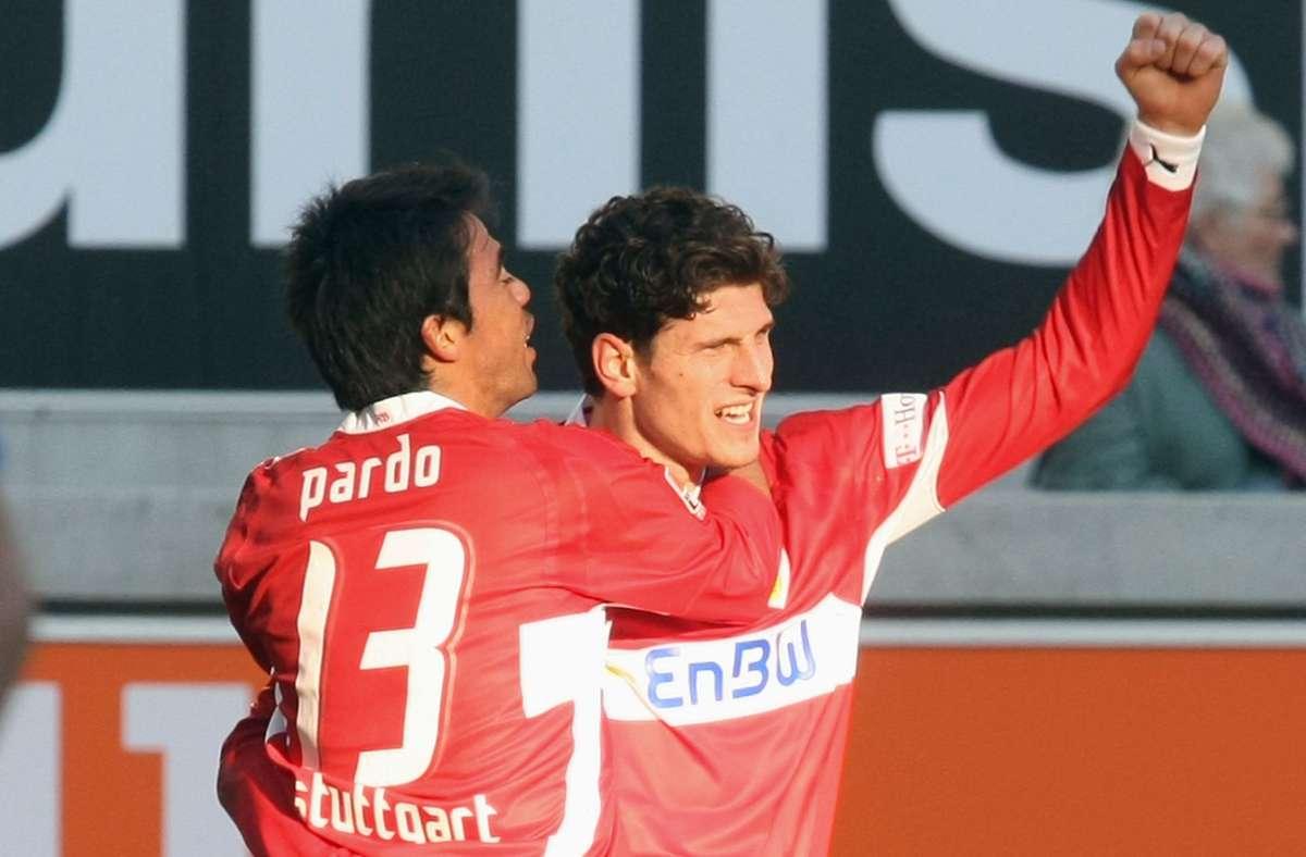 Pavel Pardo wurde mit Mario Gomez beim VfB Stuttgart 2007 Deutscher Meister. Foto: Pressefoto Baumann/Alexander Keppler