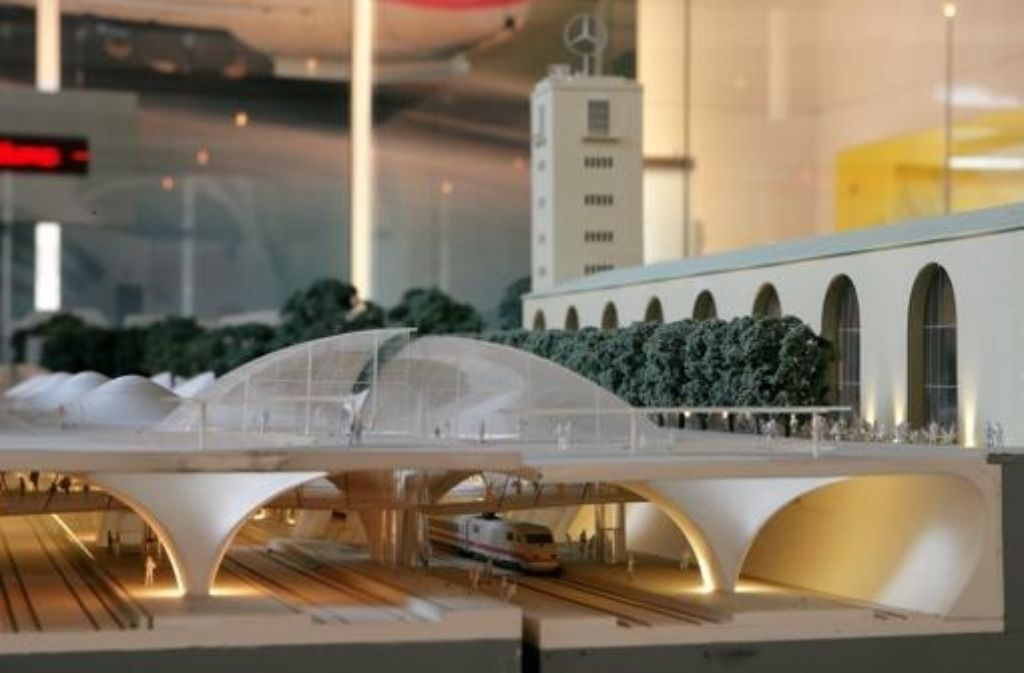Der geplante Tiefbahnhof ist Thema auf der Tagung des Bezirksbeirats Mitte. Foto: Steinert