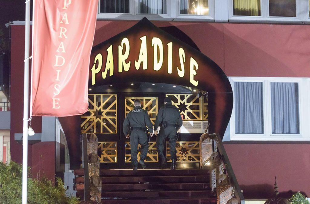 """Bei einer Razzia am 30. November 2014 sicherten die Ermittler Beweise im FKK-Klub """"Paradise"""". Foto: 7aktuell.de/Eyb"""