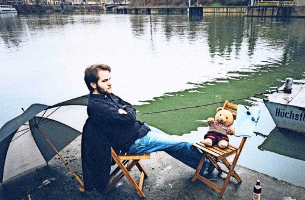 """Micha Schlüter auf dem Coverfoto seines Albums """"Nichtschwimmer"""". Foto: privat"""