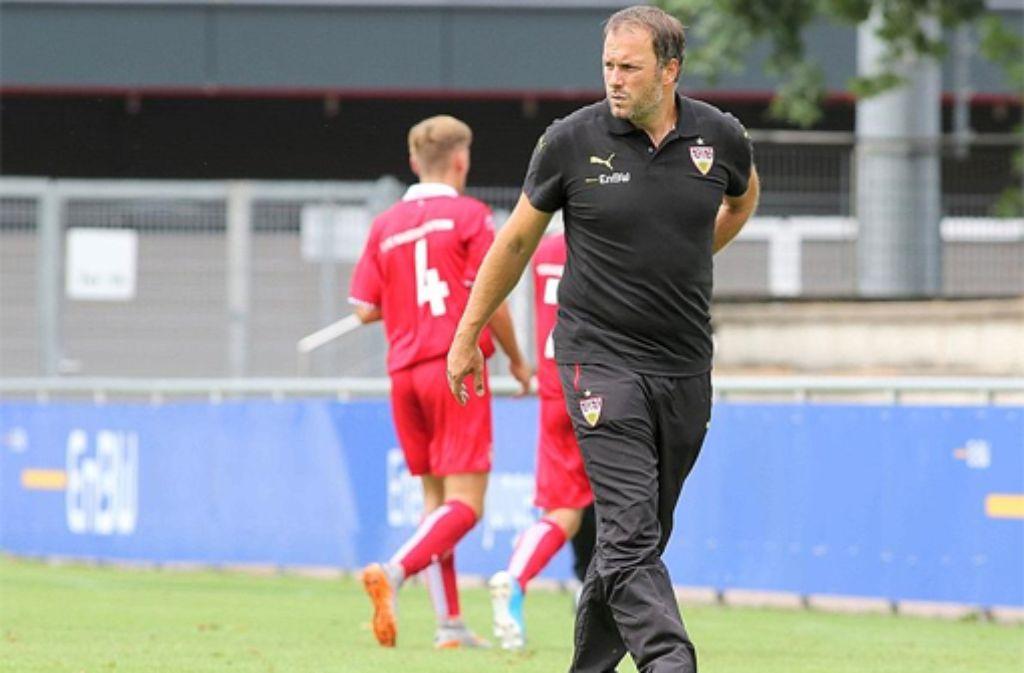 Kai Oswald, der Trainer der U17 des VfB Stuttgart.  Foto: Pressefoto Baumann