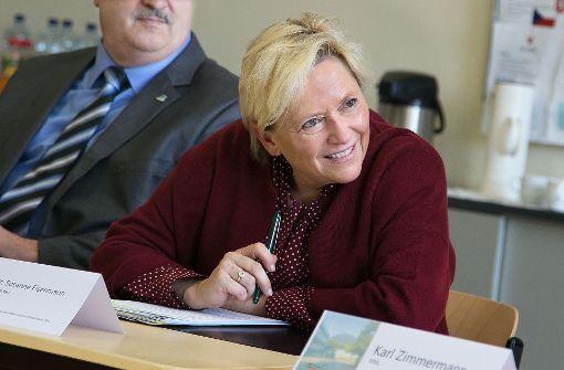 Kultusministerin macht Turbulenzen zur Chefsache