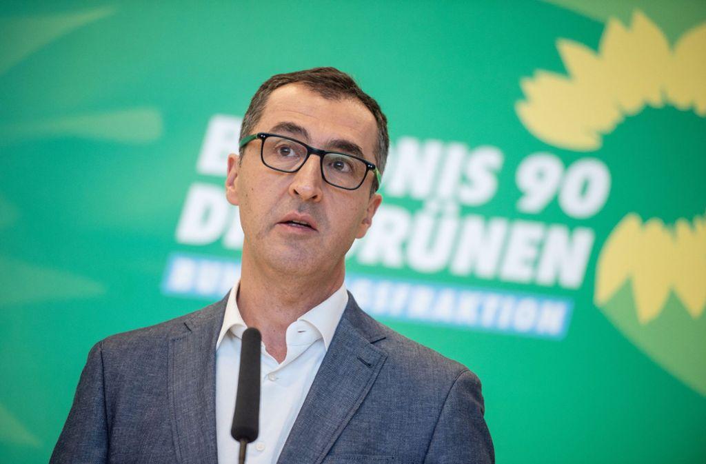 Cem Özdemir erhält in Solingen einen Preis. Foto: dpa/Arne Immanuel Bänsch