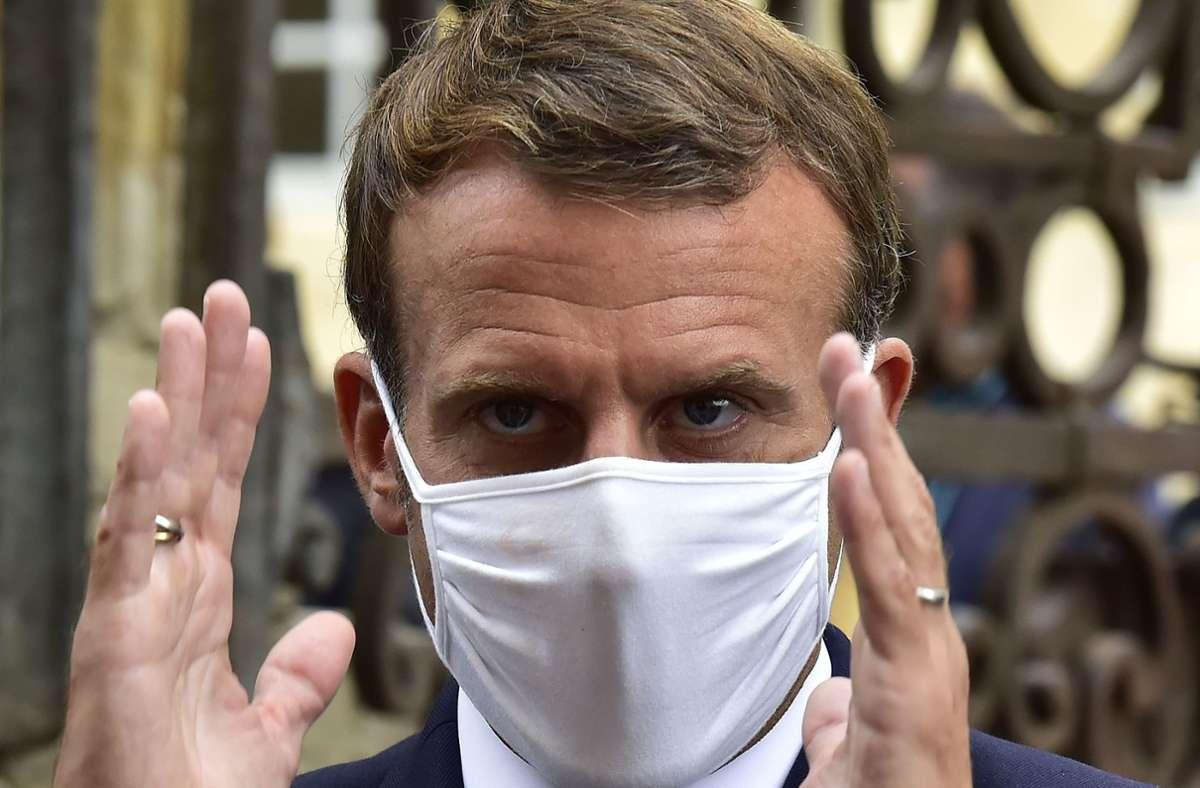Emmanuel Macron kannte bisher noch eine Richtung: geradeaus. Doch nun muss der französische Präsident um seine Wiederwahl fürchten. Foto: AFP/GEORGES GOBET