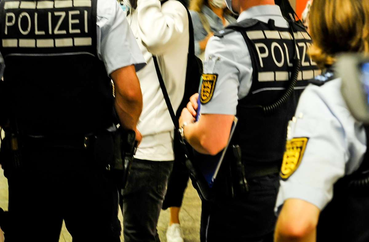 Ein 21-Jähriger hat am Stuttgarter Hauptbahnhof Polizisten beleidigt (Symbolbild). Foto: Lichtgut/Max Kovalenko