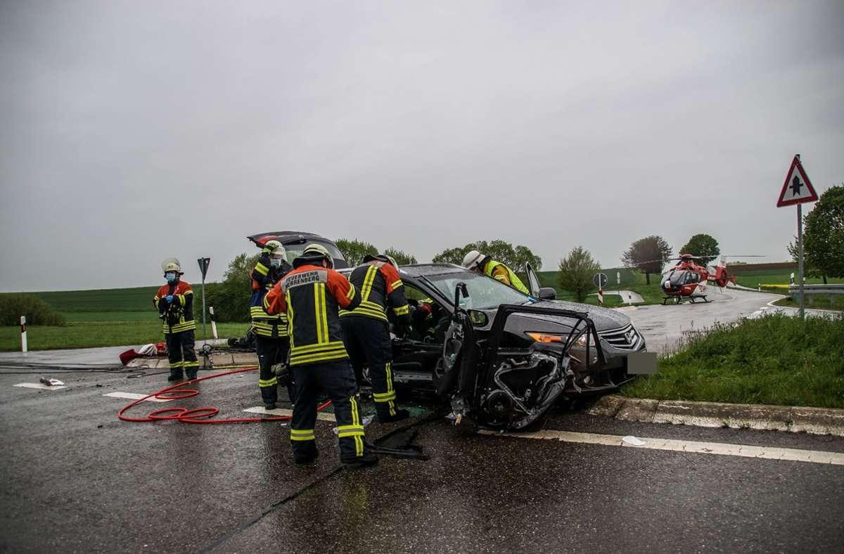 Schwerer Autounfall bei Herrenberg-Gültstein mit zwei Verletzten Foto: SDMG/Dettenmeyer