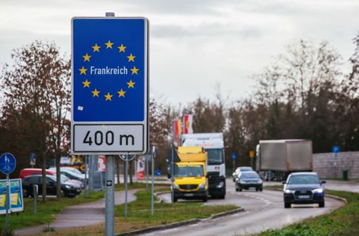 Debatte um Teststrategie an Grenze zum Elsass