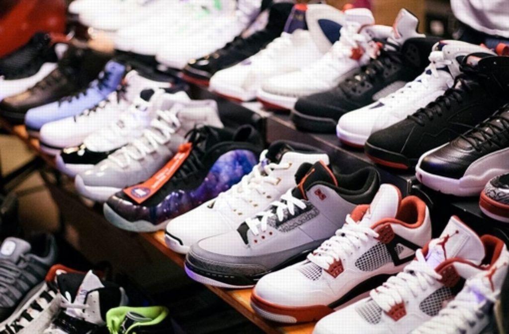 Bei der Sneakermesse im Wilhelmspalais in Stuttgart ist für jeden etwas dabei. Foto: Deniz Alaca