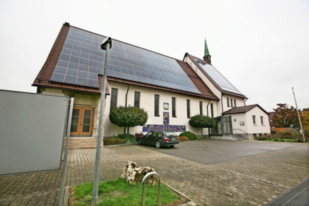 Die Kirchengemeinde St. Franziskus in Weilheim kommt einfach nicht zur Ruhe. Der Streit um Pfarrer Hermann Ehrensperger geht weiter. Foto: Horst Rudel