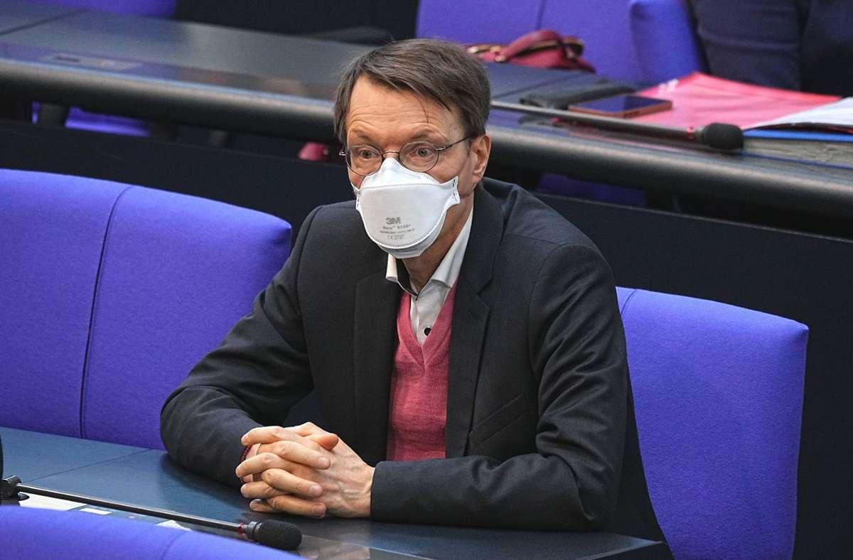 Der SPD-Gesundheitsexperte Karl Lauterbach zeigte sich mit Blick auf den Sommer zuversichtlich, richtete aber auch mahnend den Blick auf den Herbst. Foto: dpa/Michael Kappeler