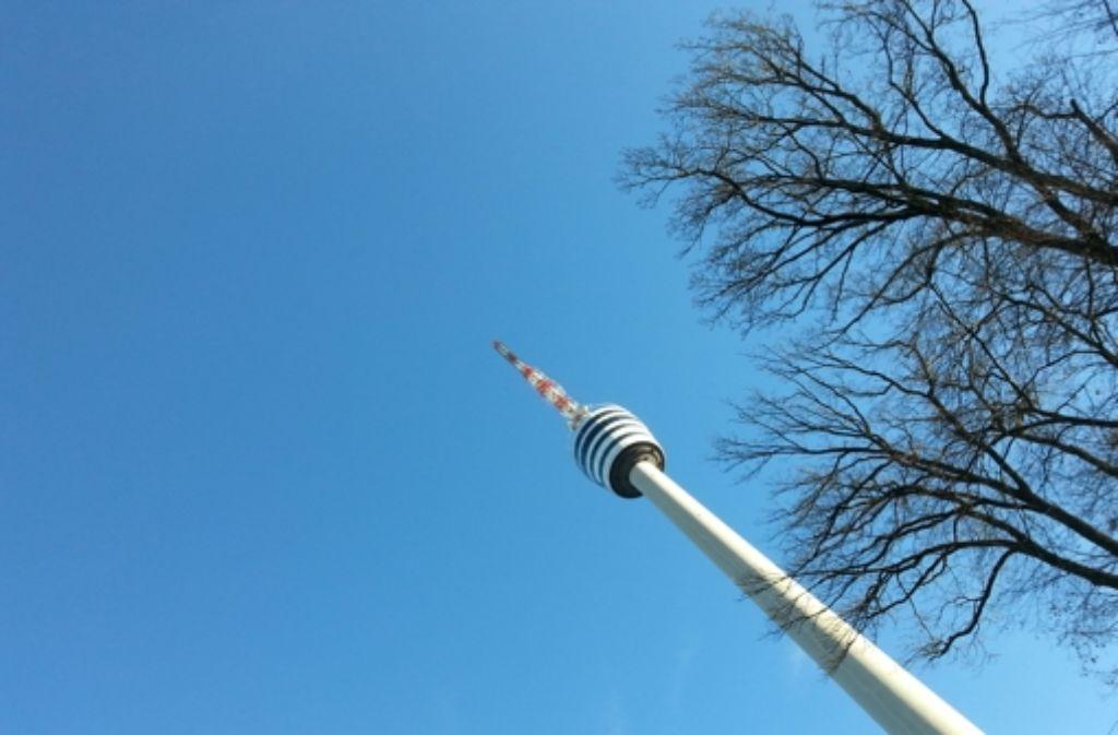 Ein Besuch im Fernsehturm wird künftig etwas teurer. Foto: Sägesser