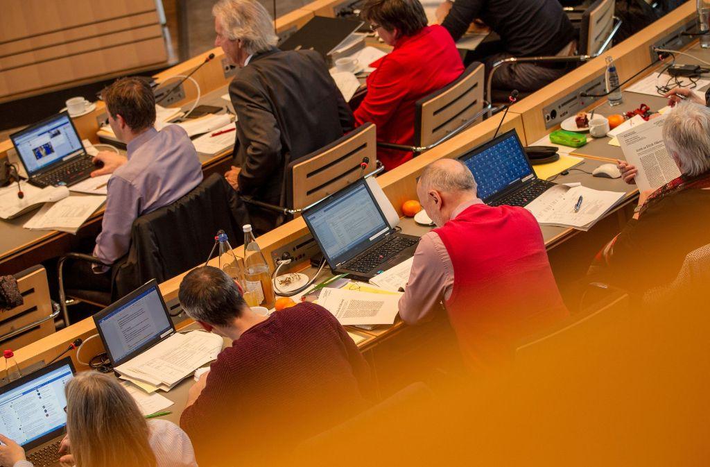 Haushalt in Stuttgart: die Stadträte müssen Entscheidungen im Minutentakt treffen. Foto: Lichtgut/Leif Piechowski