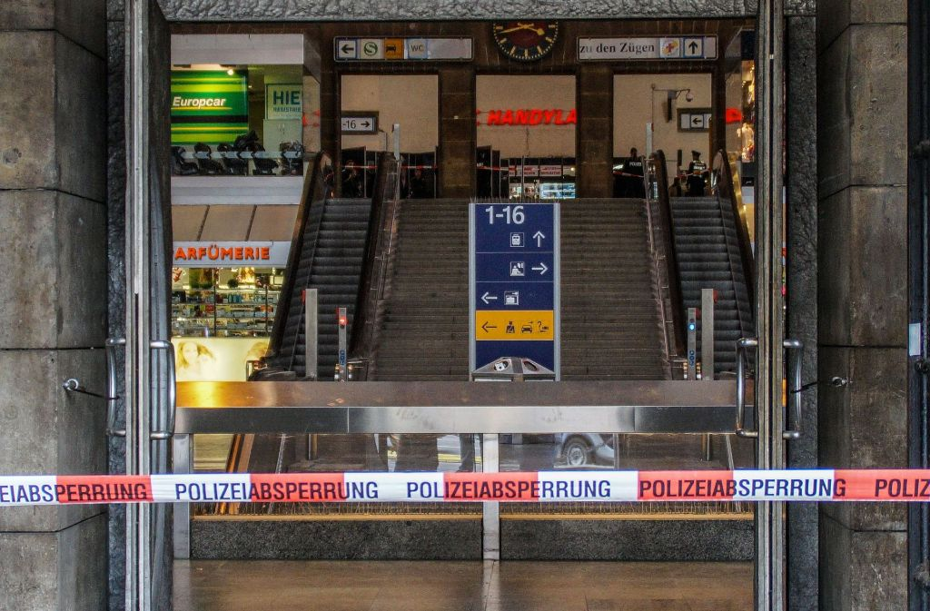 Kein Zutritt für Rabauken? Am Hauptbahnhof häufen sich derzeit die Delikte – diese Absperrung galt indes einer herrenlosen Tasche. Foto: SDMG