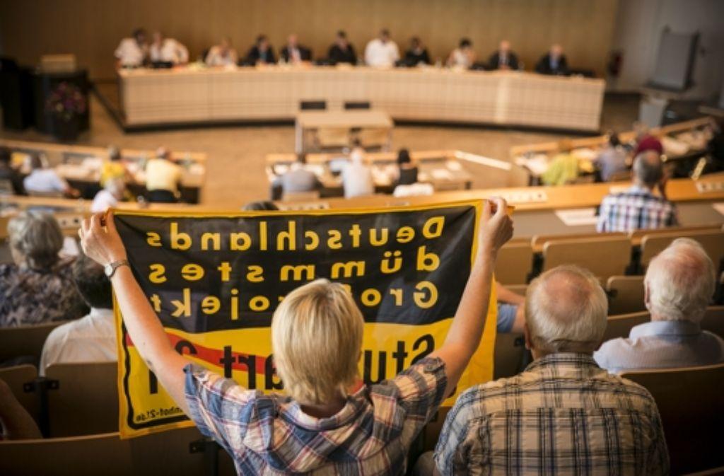Der Gemeinderat hat die Bürgerbegehren 3 und 4 gegen das Großprojekt Stuttgart 21 Anfang Juli in einer turbulenten Sitzung abgelehnt. Foto: Lichtgut/Leif Piechowski