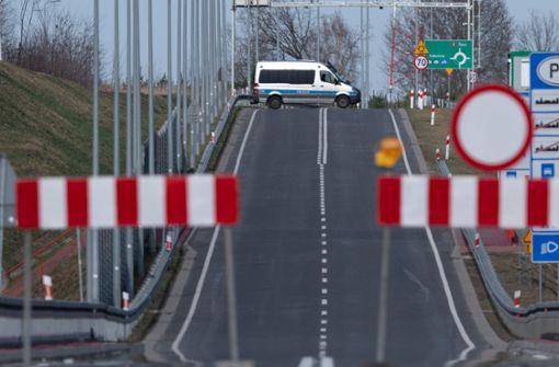Deutschland schließt Landesgrenzen ab Montagmorgen