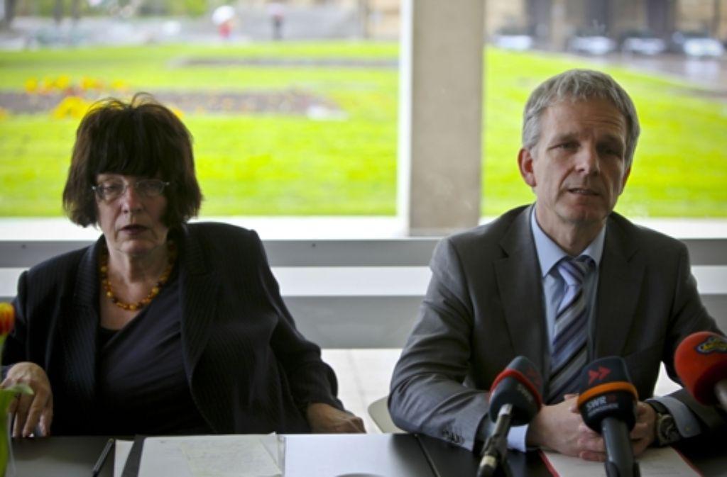 Moderator Ludwig Weitz und Staatsrätin Gisela Erler bekommen für den Filderdialog nicht genügend Teilnehmer zusammen. Quelle: Unbekannt
