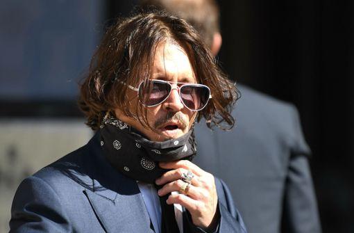"""Johnny Depp: Bin """"kein Frauenschläger"""""""