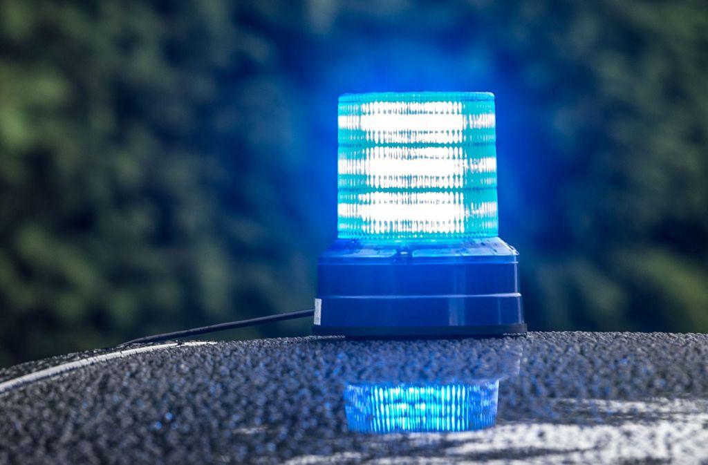 Die Polizei sucht Zeugen der Diebestour, bei der 50000 Euro Schaden verursacht wurden. Foto: dpa
