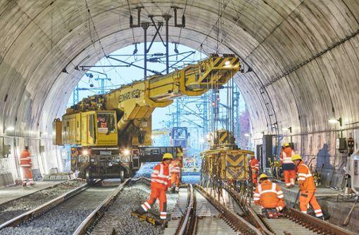200000 Tonnen Schotter für eine ruhige Zugfahrt