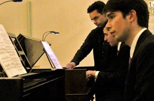 Marinoni (am Klavier) und Albert (am Harmonium) haben ihr Können gezeigt. Foto: Bernklau