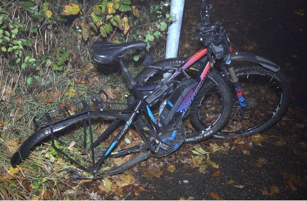 Nach dem Unfall in Degerloch hat das Elektrorad nur noch Schrottwert. Foto: 7aktuell.de/Alexander Hald