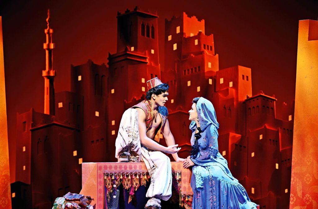 "Szene aus dem Musical ""Aladdin"" in Hamburg Foto: Stage Entertainment/Deen van Mee"